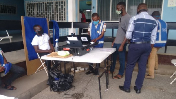 Some persons whose services have been engaged by the Electoral Commission (EC) in the ongoing voters registration exercise have expressed